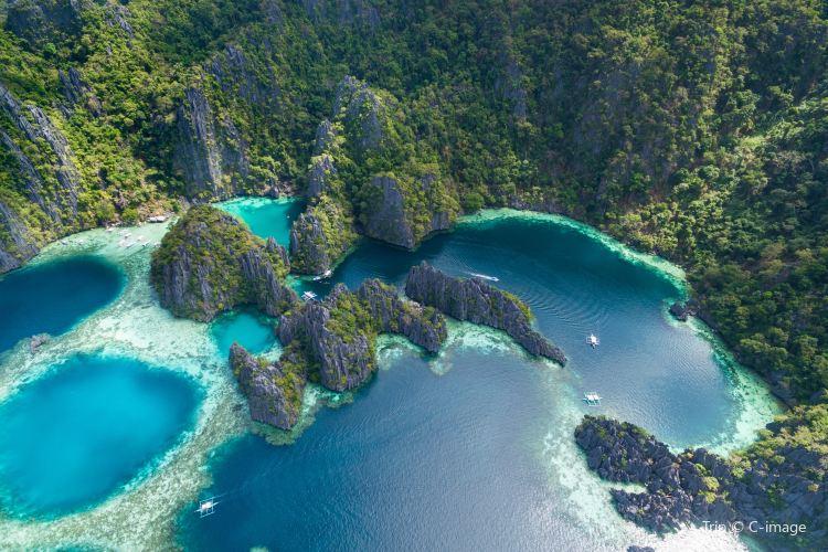 Twin Lagoon1
