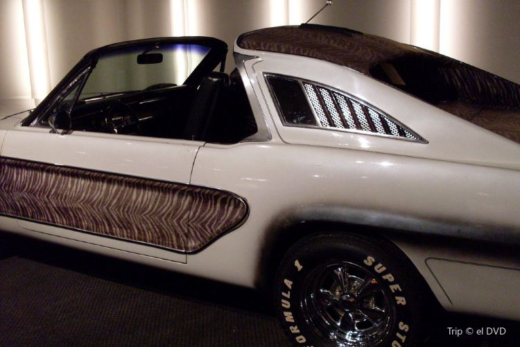 Petersen Automotive Museum4