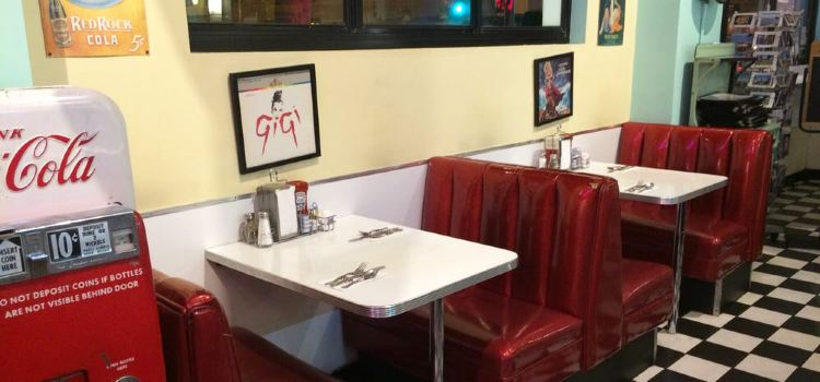 Lori's Diner3