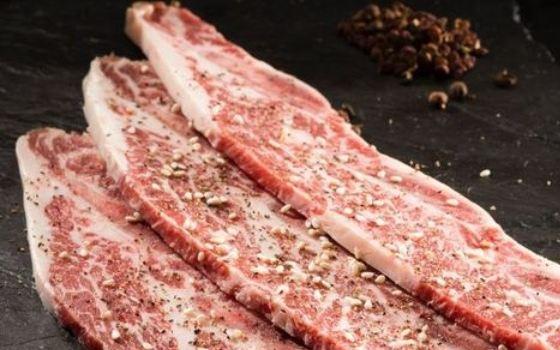 牛中牛黑牛生態烤肉