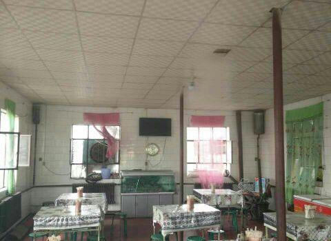 建國大盤雞飯店2
