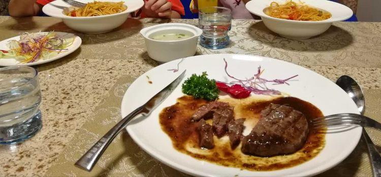 湖光月色西餐廳1