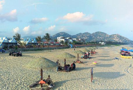 Langqin Bay
