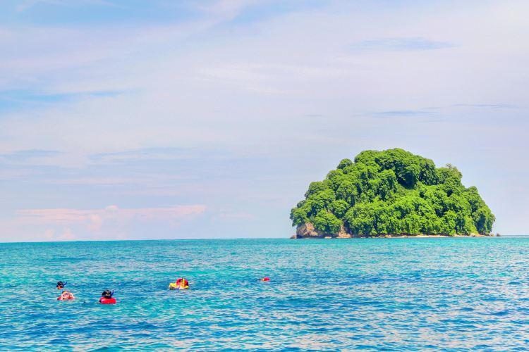 Mantanani Island1