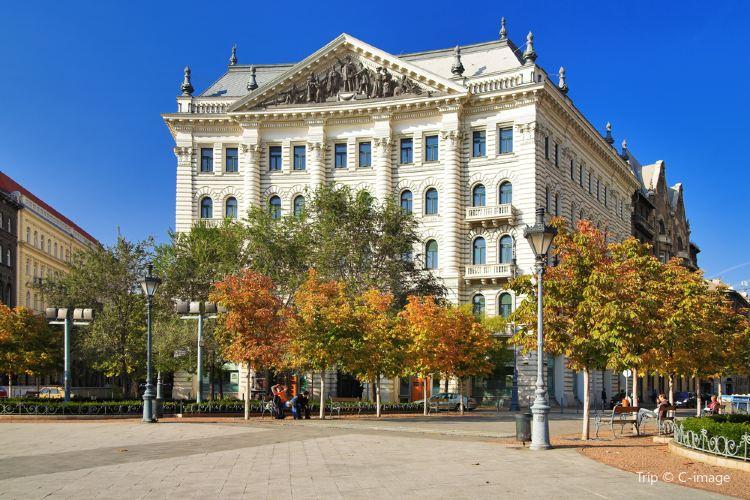 布達佩斯自由廣場2