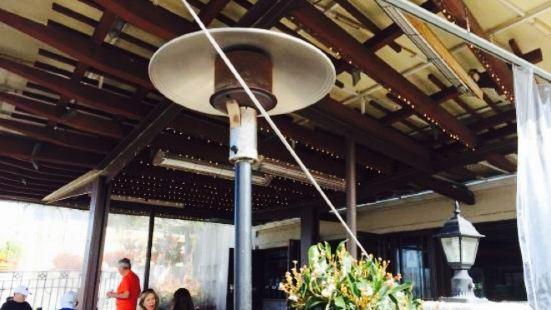 Pacifica Breeze Cafe