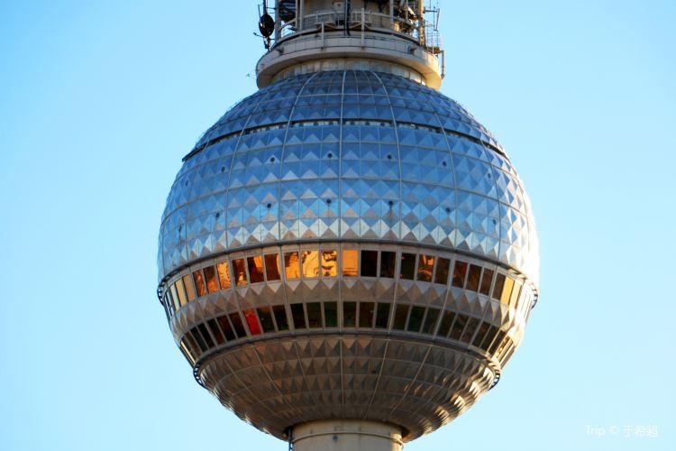 Berlin TV Tower (Fernsehturm)4