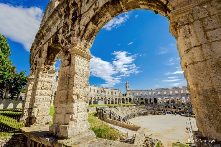 Amphitheatre de Pula1
