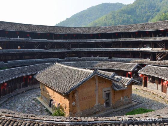 Jiqing Earth Building