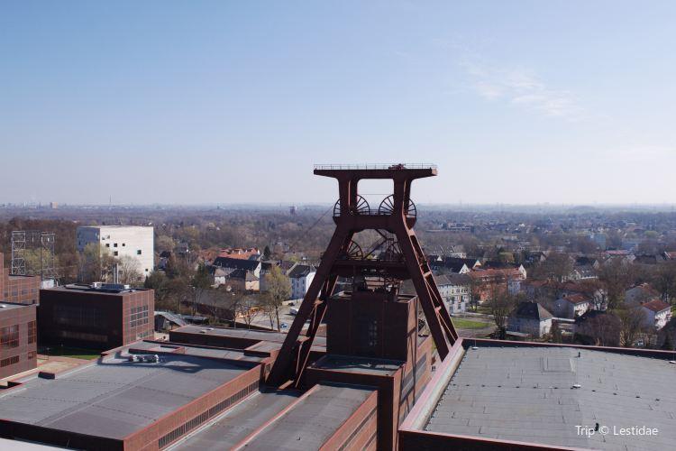 Zollverein Coal Mine Industrial Complex in Essen4