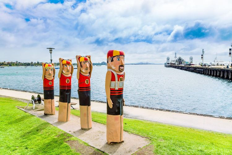 Geelong Baywall Bollards