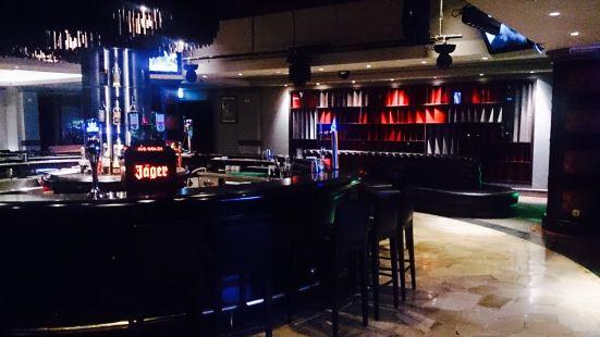 Bar Deja Vu