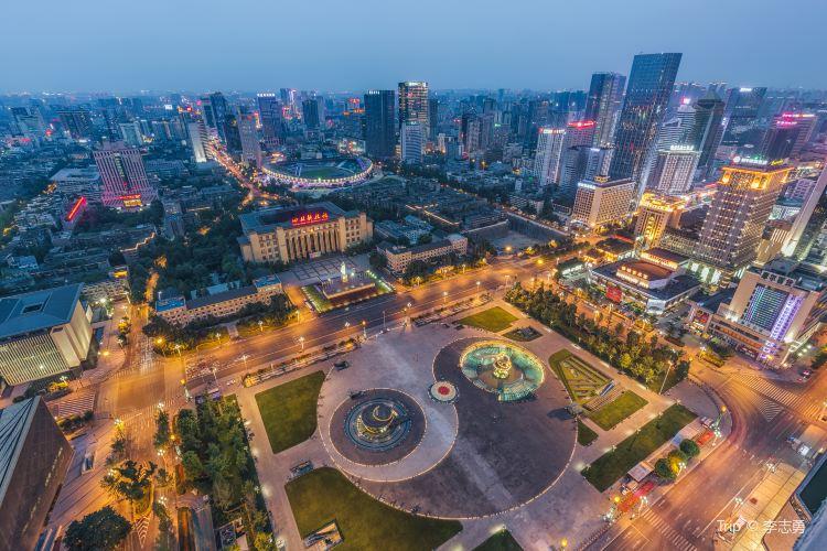 Tianfu Square2