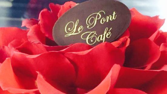 Le Pont Cafe