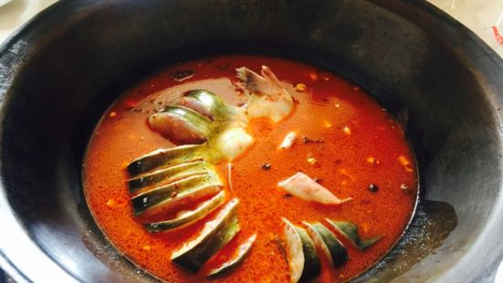 東北木火鐵鍋燉魚