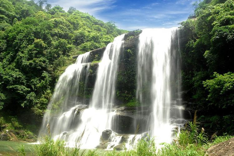 Huang Manzhai Waterfall