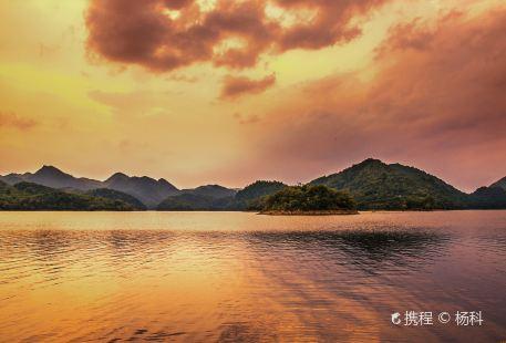 阿哈湖國家濕地公園