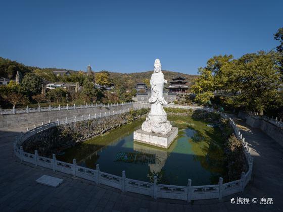 Longchang Temple