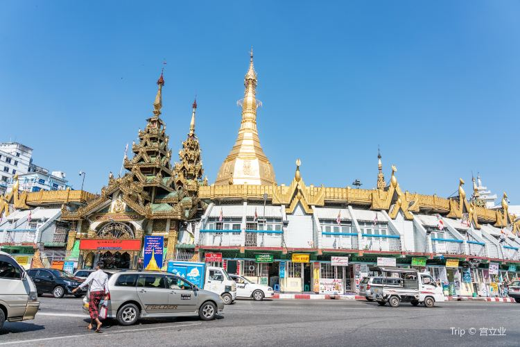 Sule Pagoda4
