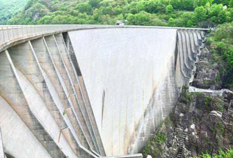 韋爾紮斯卡水壩