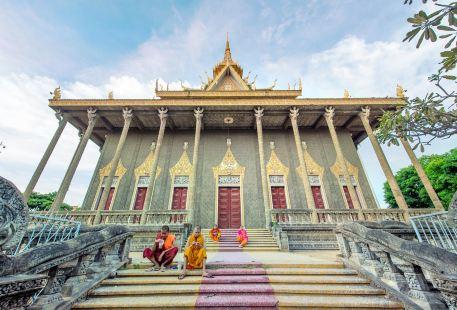 沃莫門特裡寺