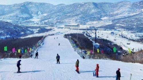 何家溝滑雪場