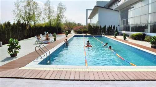 Jinqi Yulin Hot Springs