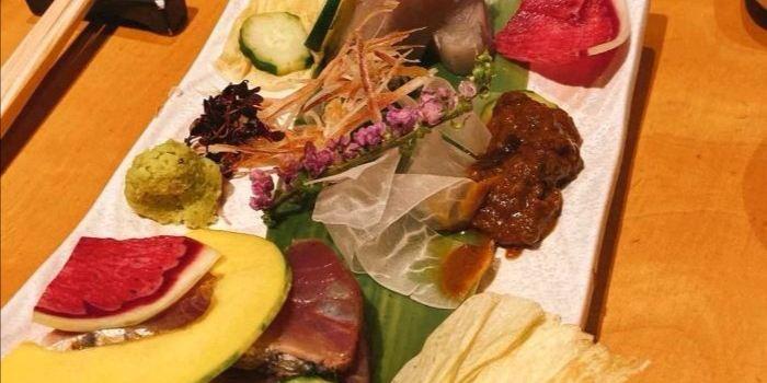 Dining Room Sushi2