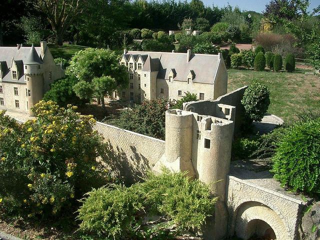 迷你城堡公園
