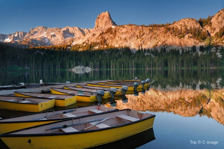 Mammoth Lake1