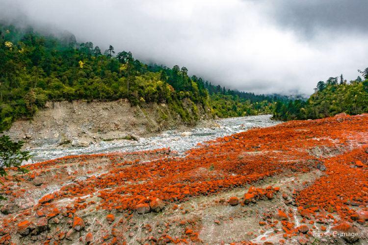 Yanzi Trench Scenic Area1