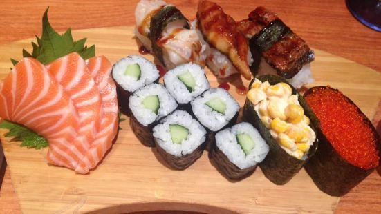小魚迴轉壽司