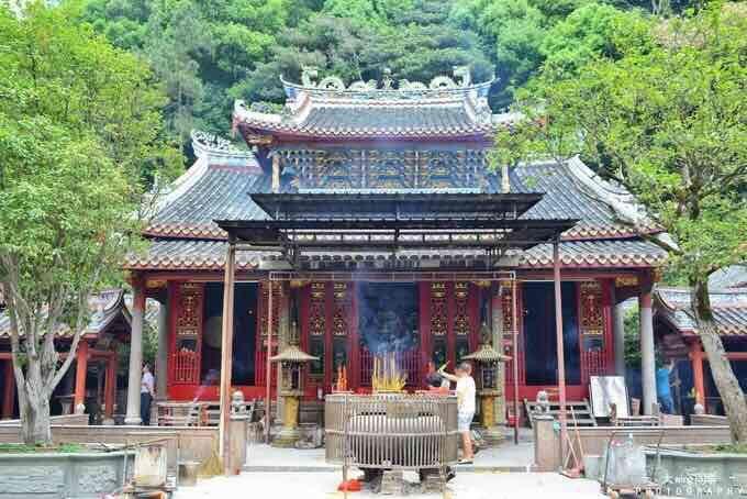 Yinna Mountain (Lingguang Temple)