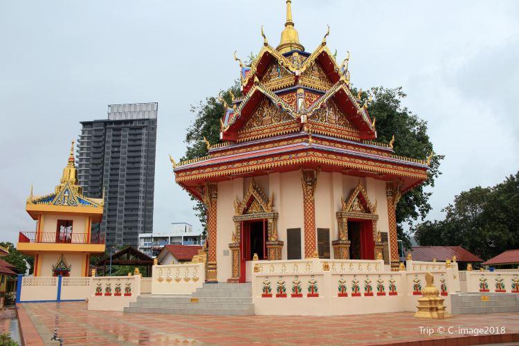 Reclining Buddha Wat Chaiyamangalaram2