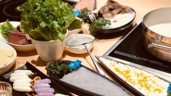 淳撈上品鍋料·又戀魚頭鍋