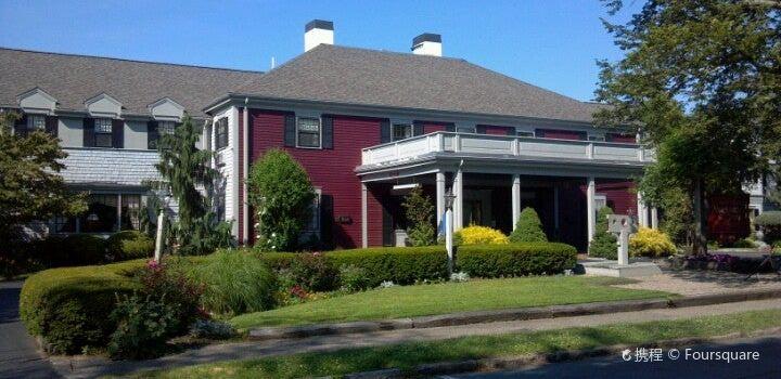 The Dan'l Webster Inn Restaurant3
