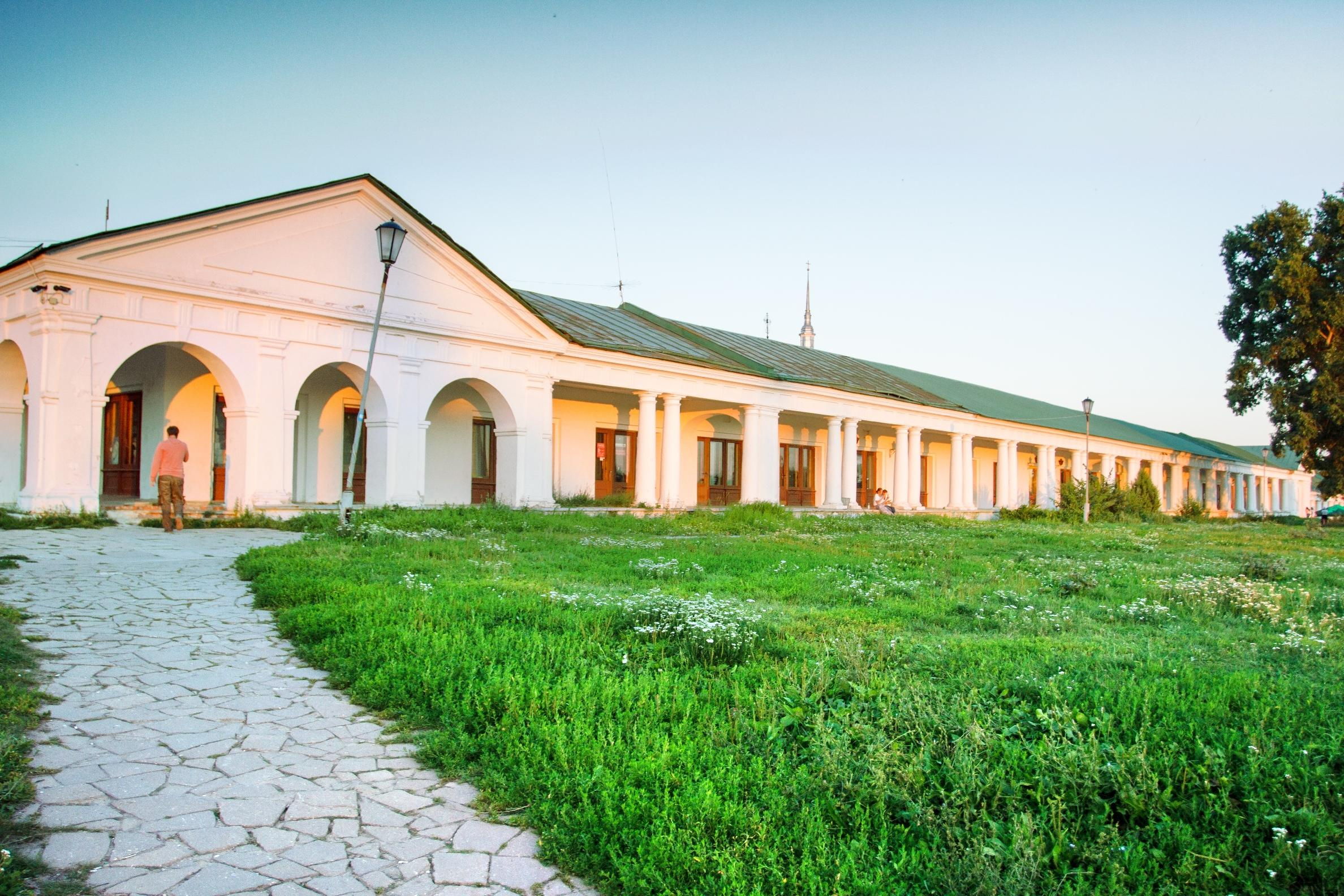 Trading rows  in Suzdal