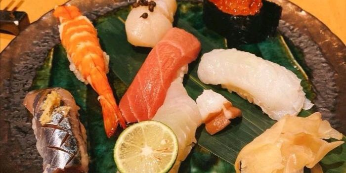 Dining Room Sushi3