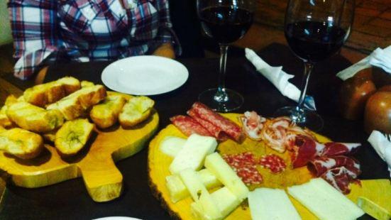 La Cantina Vino Italiano