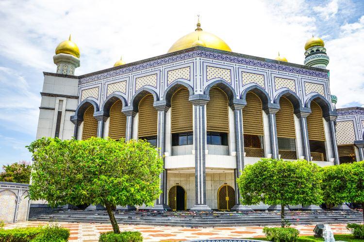 Jame' Asr Hassanil Bolkiah Mosque1