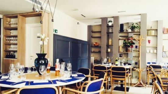 Theresia Mittel Bistrot