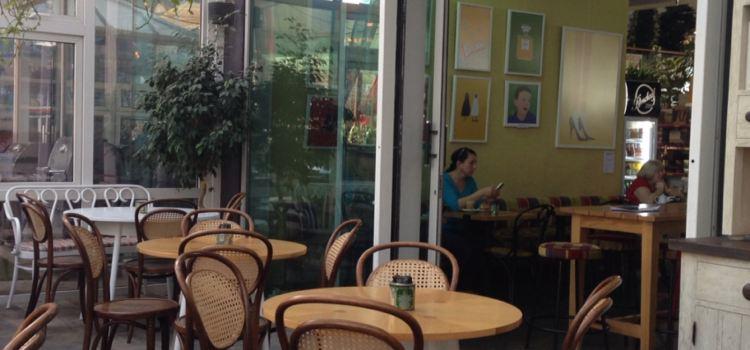 Roseleaf Cafe2