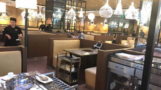 黃記煌三汁燜鍋(金鼎購物中心店)