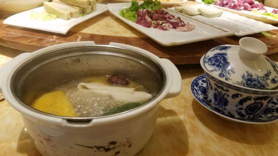 塔裡木砂鍋(臨夏市總店)