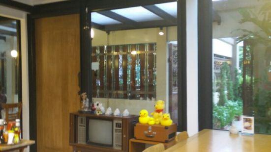 Chibi Chibi - cafe & atelier
