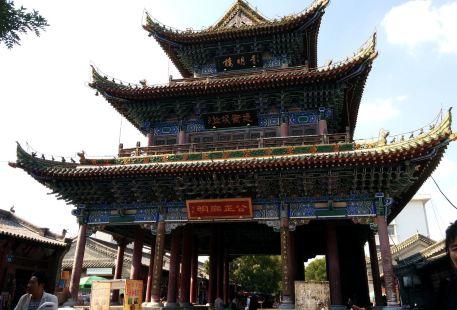 Myriad Buddhas Tower