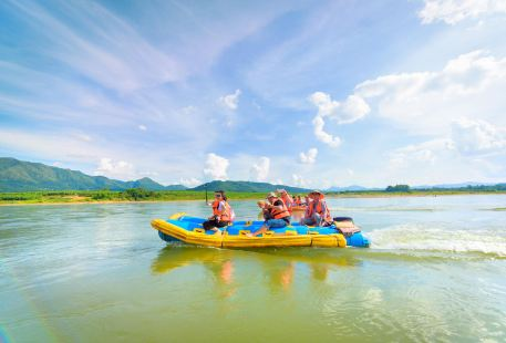 Lancang River Drifting