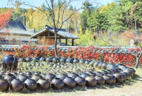 Longshan Korean Folk Village
