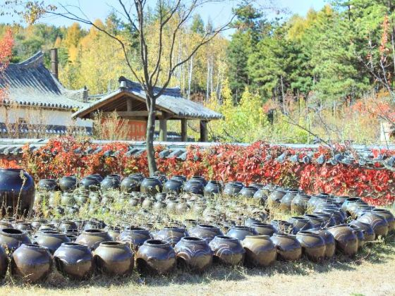 Longshan Korean Folk Village