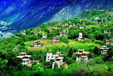 梭坡藏寨古碉群